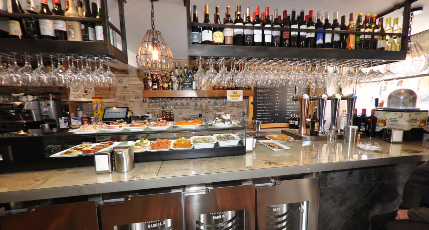 Restaurante Casa Augusto Arranz: Cuidamos nuestra barra de pinchos variados