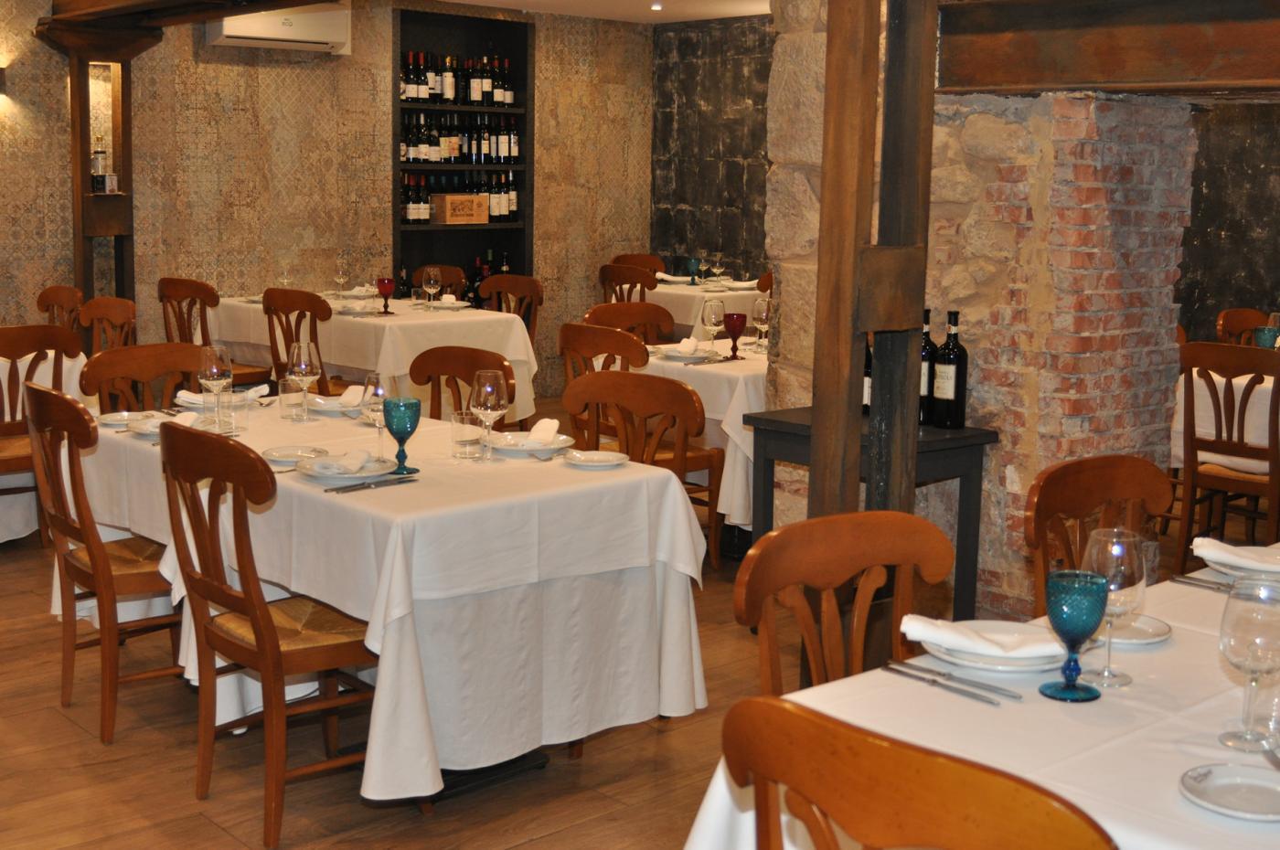 Restaurante Casa Augusto Arranz: Interior del Restaurante Casa Augusto Arranz de Soria